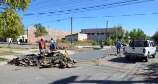 Reparación de la carpeta asfáltica en la intersección de las calles General Villegas y Napoleón Uriburu