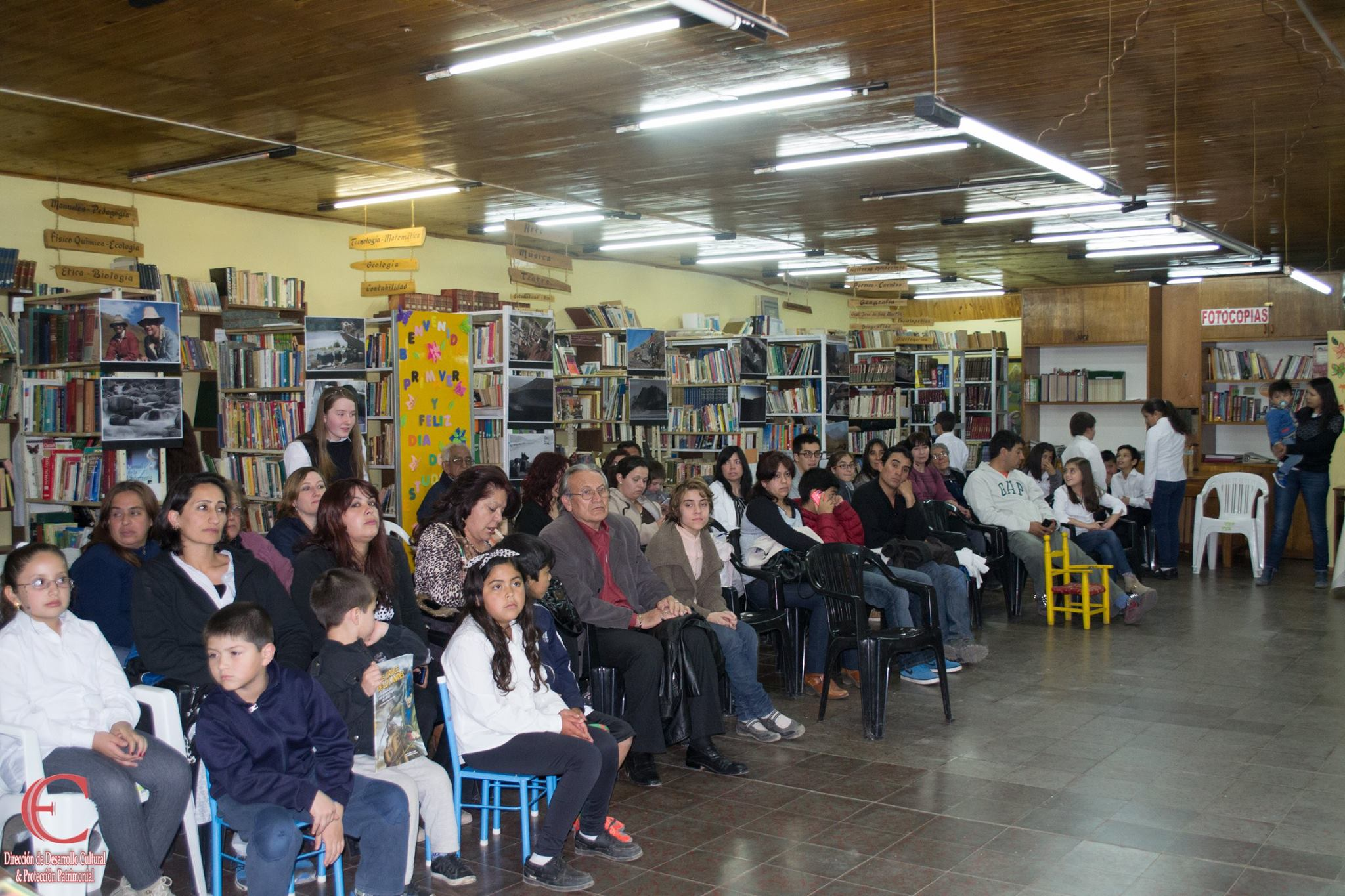 """Café Literario – """"Día de la Biblioteca""""."""