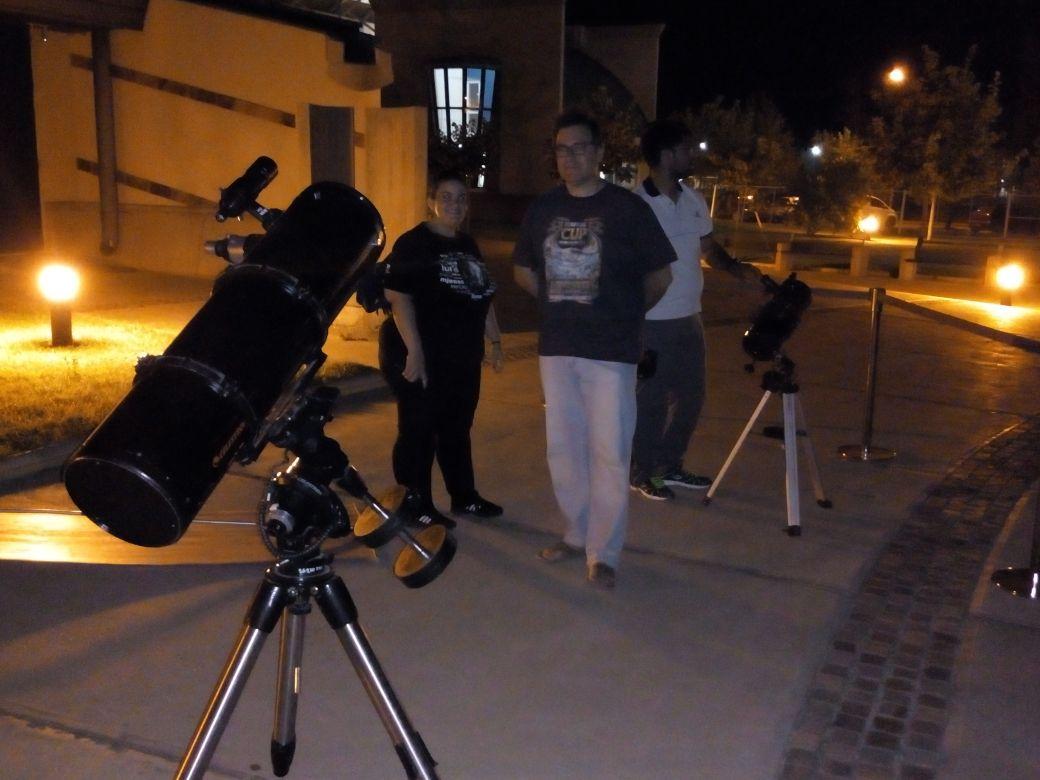 El Planetario Malargüe continúa atrayendo amigos